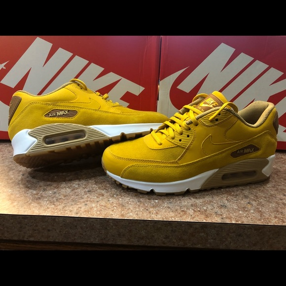 Nike Air Max 90 SE Womens size 8.5 Mineral Yellow